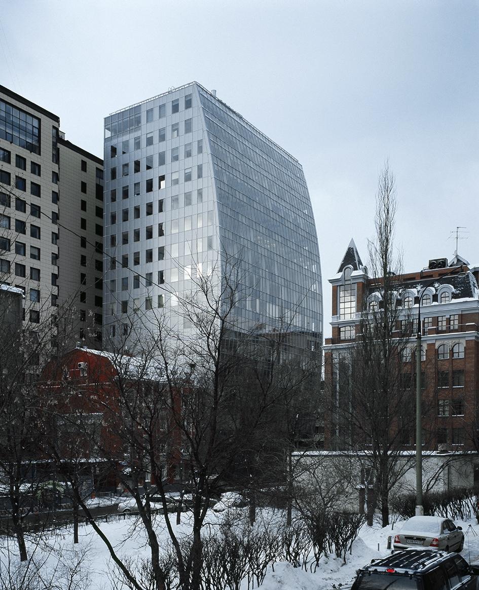 Из портфолио АБ «Остоженка»: административное здание на 1-й Брестской улице. 2004 год