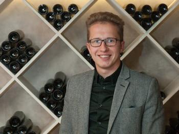 Дмитрий Фролов из ресторана «Мансарда», сомелье 2015 года по версии WHERE TO EAT