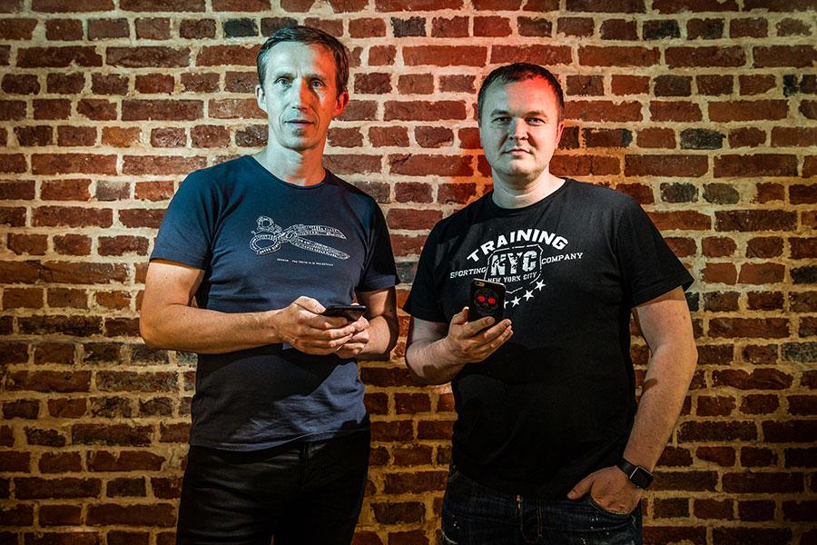 Андрей Бондаренко иДенис Харитонов (слева направо)