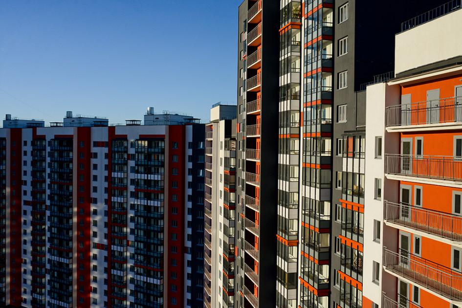 Фасад, балконы и лоджии в современном ЖК