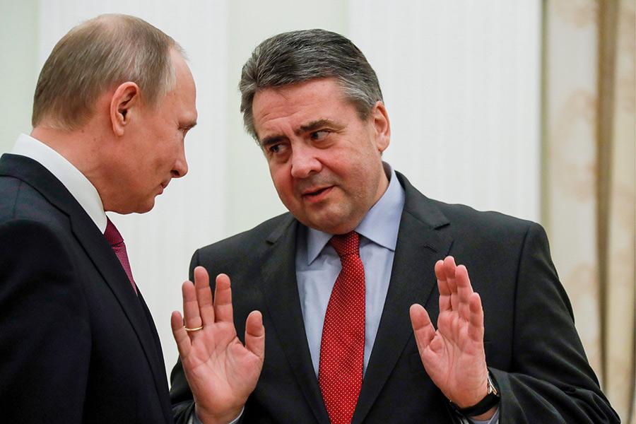 Владимир Путин и Германии Зигмар Габриэль (слева направо)