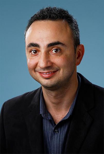 Дмитрий Сетракян