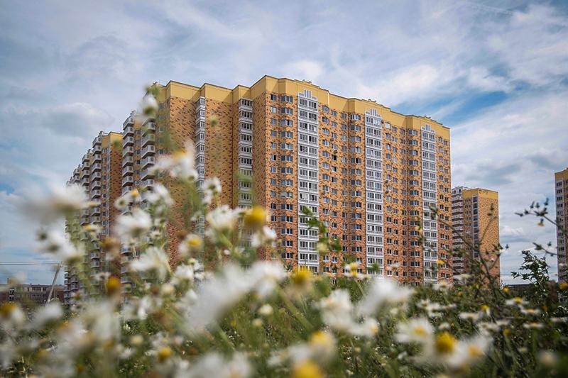 Микрорайон Центральный в Долгопрудном СУ-155 строила, но за аренду земли не платила. Терпение подмосковных чиновников кончилось в ноябре прошлого года, когда они потребовали вернуть долг, достигший к тому времени почти 1 млрд руб.