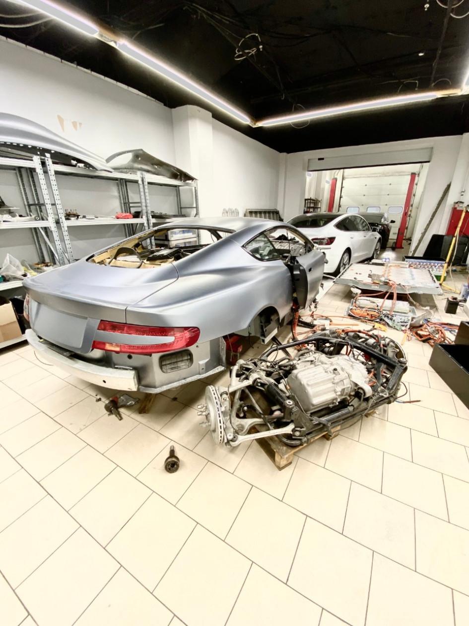 Так выглядит превращение обычной машины в электромобиль