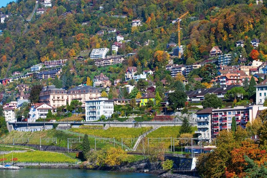 В 2000–2010 годы стоимость недвижимости в Женеве и прилегающих районах увеличилась на 100–120%