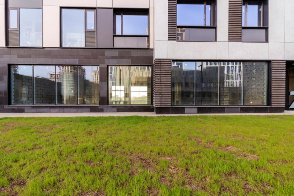 Стоимость коммерческих помещений на первых этажах новостроек начинается от80 тыс. руб. за 1 кв. м