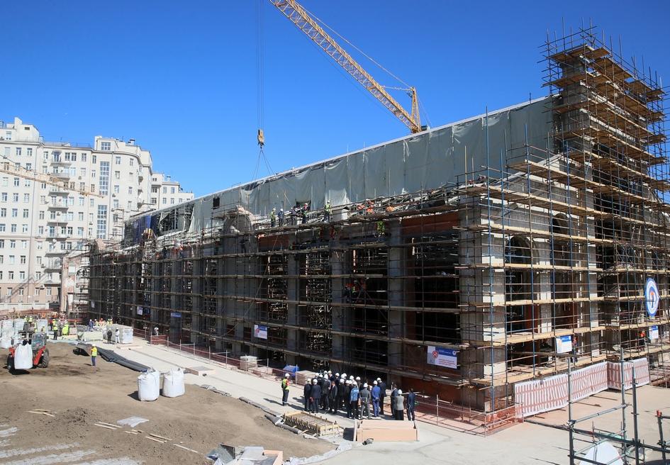 Вид на реконструируемое здание ГЭС-2