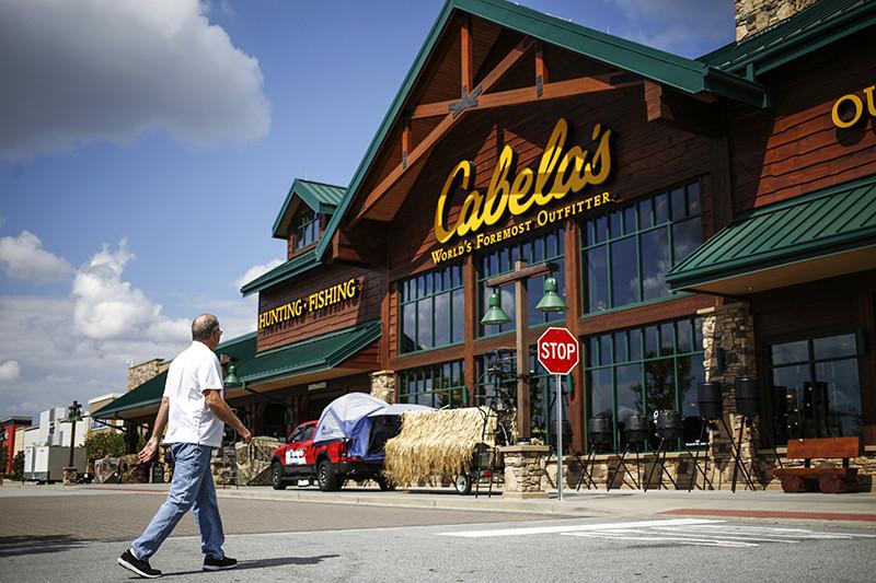 Один измагазинов сети Cabela's вгороде Гринвилль, штат Южная Каролина. Фотография сделана 4 октября 2016 года, черездень послетого какBass Pro Shops объявил опокупке сети Cabela's