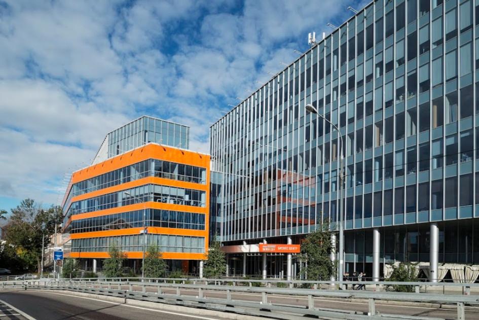 O1 Properties планирует запустить на базе бизнес-центра Silver City инкубатор для стартапов, работающих в сфере «зеленых» технологий для коммерческой недвижимости
