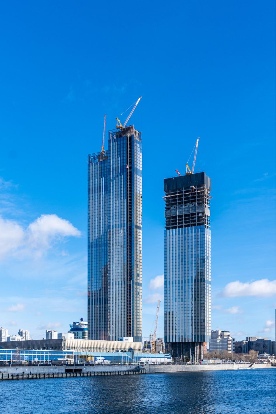 Вид на строящиеся башни Capital Towers