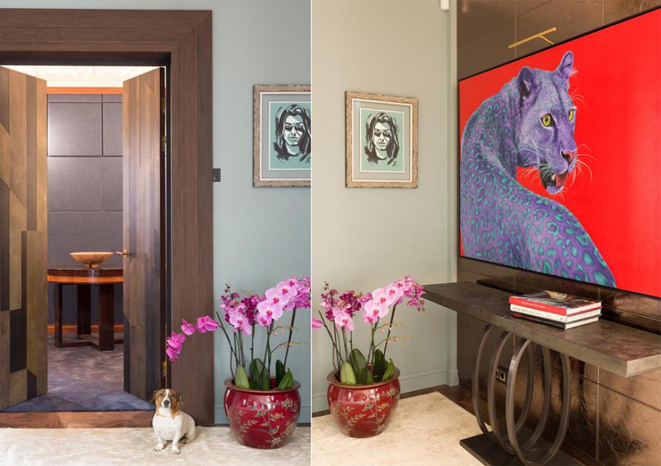 Вход в домашний кинотеатр. В дверях — любимец хозяевджек-рассел-терьер по кличке Лаки. Двери из бронзы сделаны на заказ, компания «София Декор». Стол для покера выполнен по эскизам архитектора
