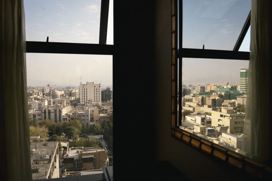 Вид на Тегеран из номера отеля