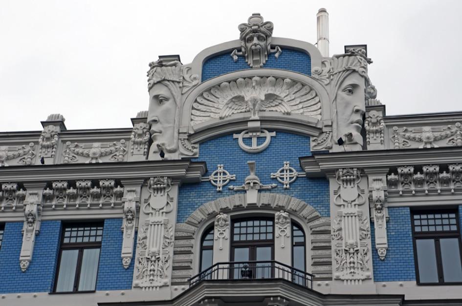 Одна из самых известных работ Михаила Эйзенштейна - дом по адресу ул. Элизабетес, 10б