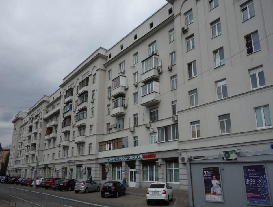 ЮВАО, Рязанский район. Семиэтажное здание в стиле ар-деко, построенное в 1935 году по индивидуальному проекту