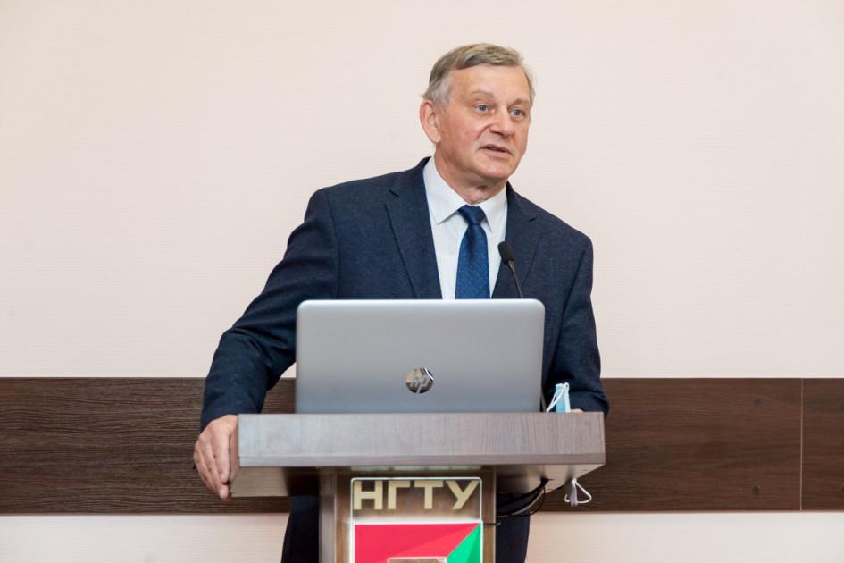 Анатолий Батаев