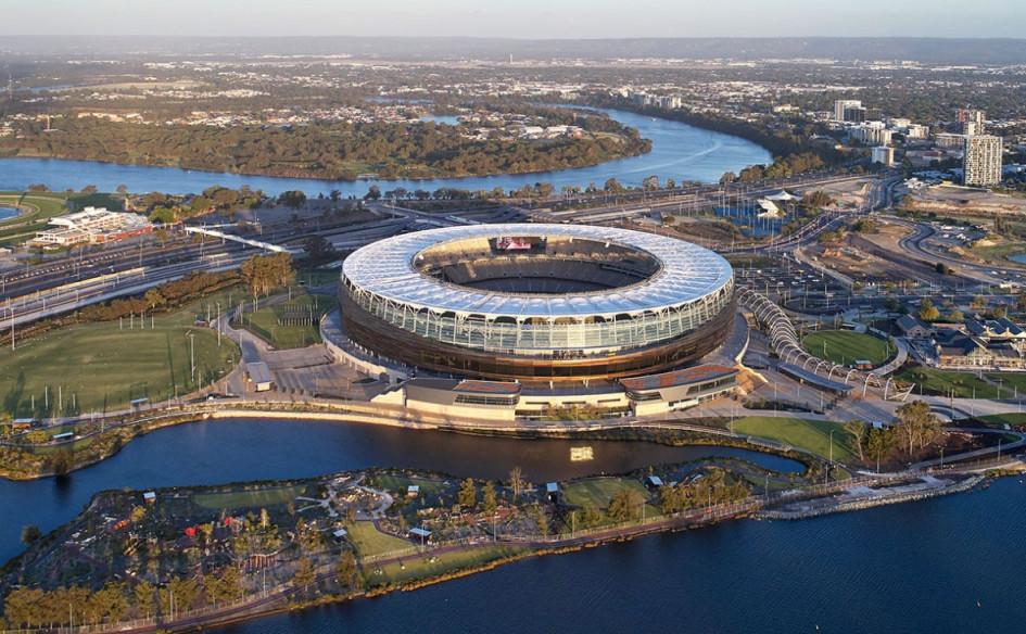 Optus Stadium (Перт, Австралия). Вместимость 60 000 зрителей, сроки строительства — 7 декабря 2014г. — 11 декабря 2018г., стоимость строительства — $1,16 млрд.