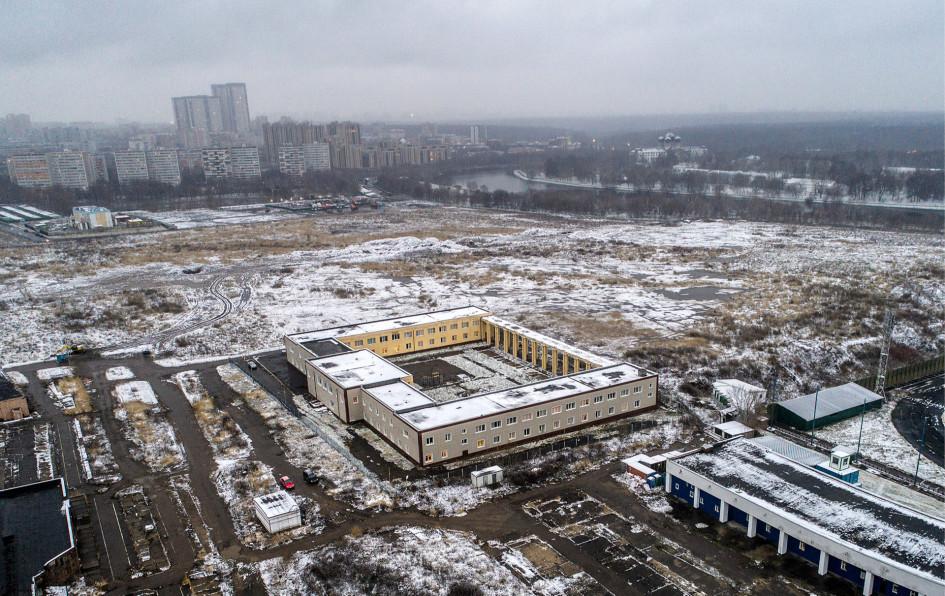 Территория на месте бывшего Черкизовского рынка, которая будет использована для реализациипрограммы реновации. Фото 2017 года