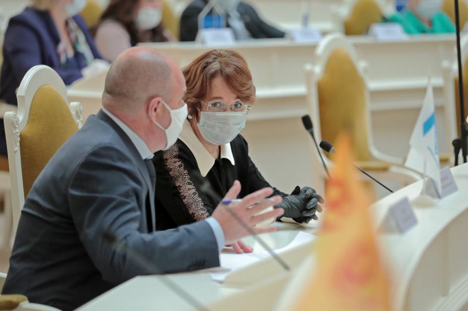 Депутаты Законодательного собрания Петербурга