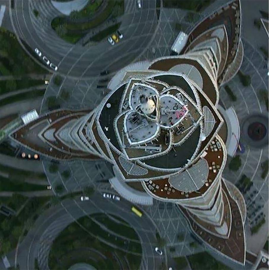 Вид на верхушку башни Бурдж-Халифа