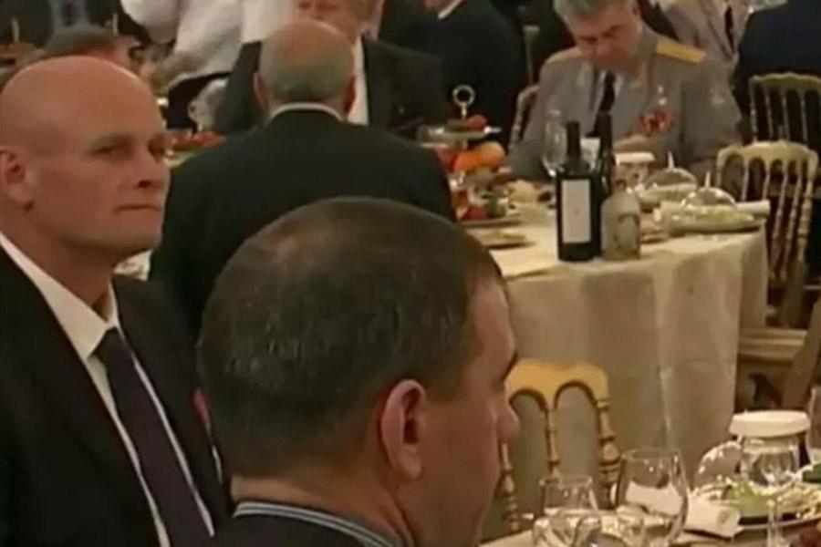 Дмитрий Уткин (слева) 