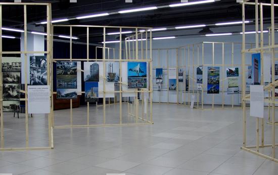 """Выставочное пространство в торговом центре """"Башкирия"""""""