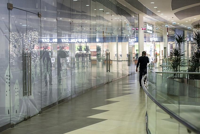 Подготовленные под сдачу в аренду торговые площади в ТЦ «Галерея Новосибирск». Новосибирск, 17 марта 2015 года