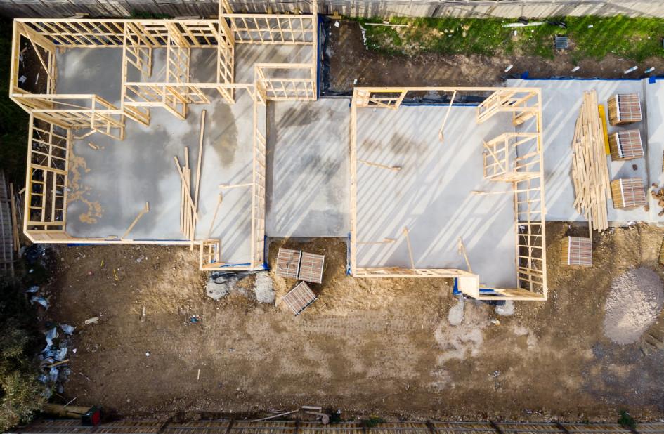 Трехэтажный дом при дорогом фундаменте и кровле обойдется в целом еще дешевле, чем двухэтажный