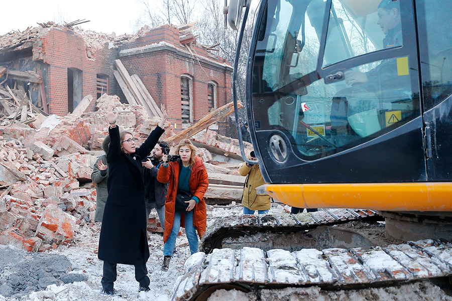Ксения Собчак пытается остановить снос здания оберлицея им. Гёте в Калининграде