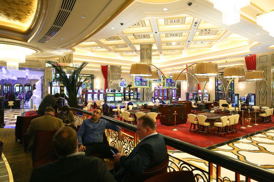 Работа москва казино жильё в каком казино можно моментально снять выигрыш