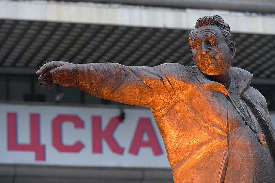 ПамятникАнатолиюТарасову
