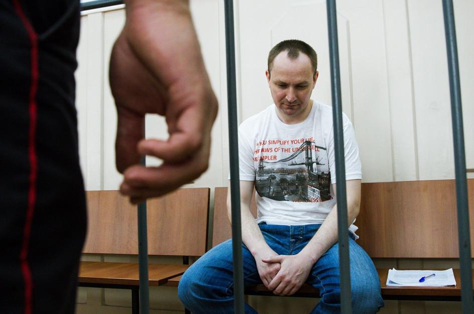 Из-за конфликта между ГУЭБиПК и ФСБ Денис Сугробов лишился поддержки покровителей