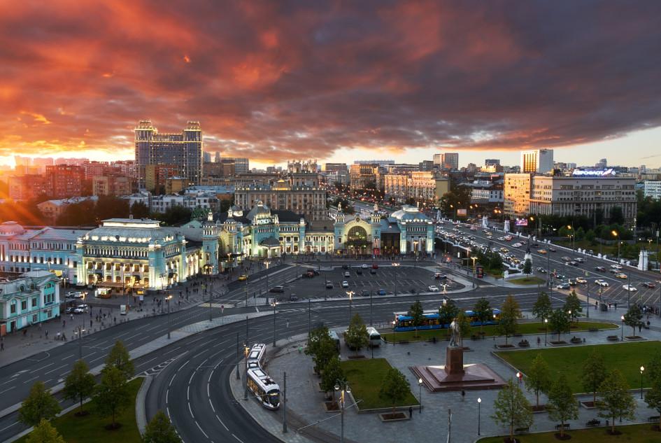 Вид на площадь у Белорусского вокзала