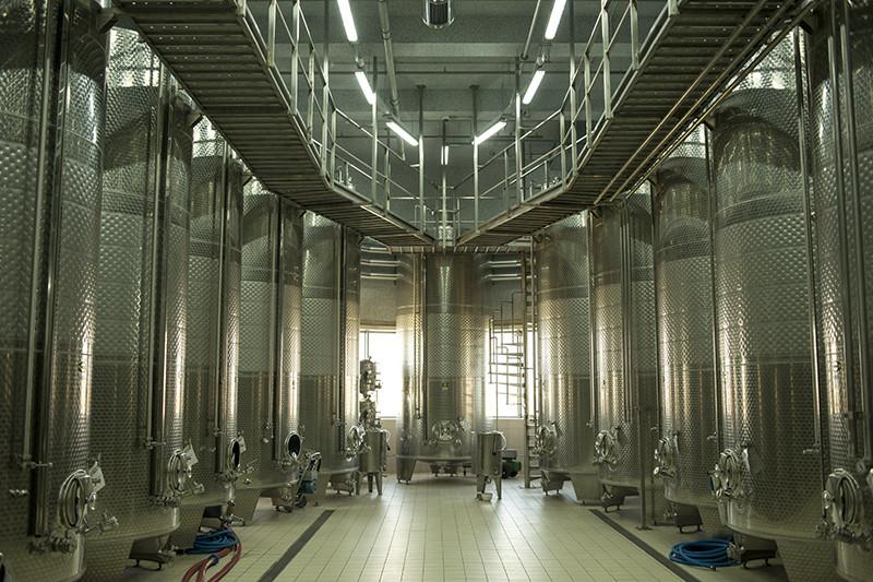 Гравитационная винодельня Alma Valley введена в строй в 2013 году. Вино здесь выдерживается под звуки классической музыки