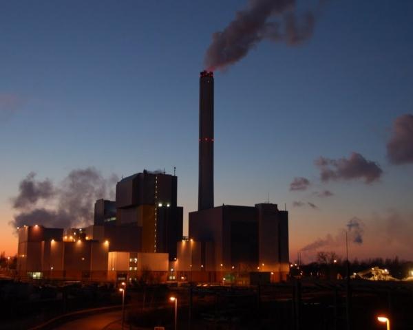 После закрытия свалки в Балашихе отходы повезли на мусоросжигательный завод №4. В результате этого восток Москвы периодически накрывает ядовитым дымом