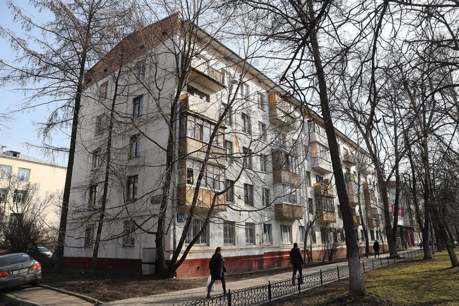 Панельная пятиэтажка серии 1-515 наулице Шаболовка, 59