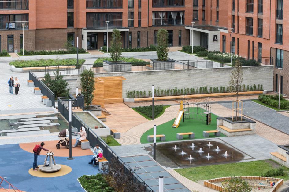 Дворовые пространства теперь рассматриваются как места взаимодействия детей и родителей, места для различных интересов
