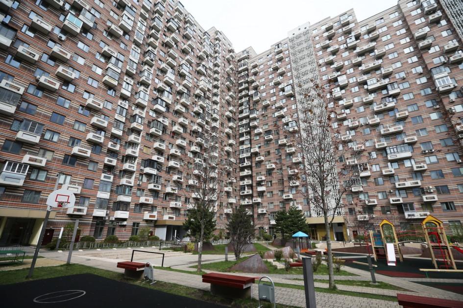 За яркими фасадами московских новостроек скрываются стандартные монолитные ипанельные дома