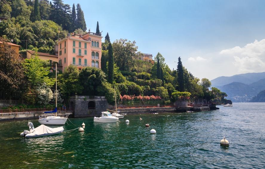 Цены на жилье в районе озера Комо в Италии достигают 10 тыс. евро за 1 кв. м