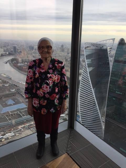 Бабушка Лена увидела Москву с высоты птичьего полета...