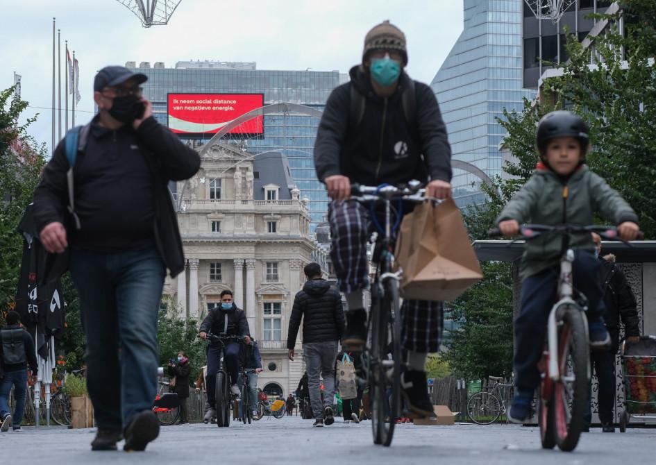 Повседневная жизнь в Брюсселе во время повторного карантина, объявленного в связи с ростом числа заражений коронавирусом COVID-19
