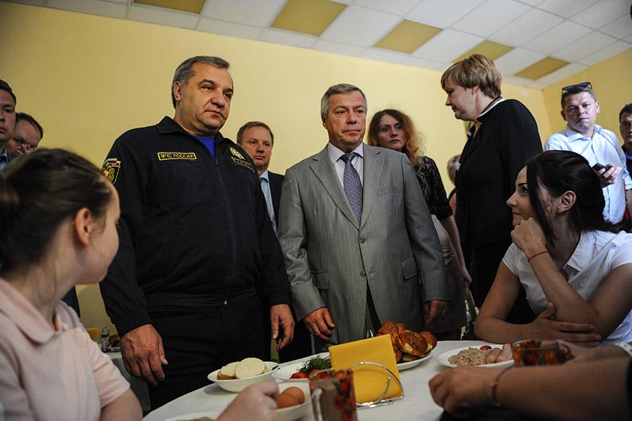 Владимир Пучков и Василий Голубев (слева направо)