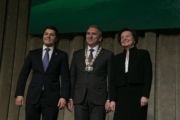 Глава Ямала Дмитрий Артюхов (слева), губернатор Тюменской области Александр Моор (в центре) и глава Югры Наталья Комарова