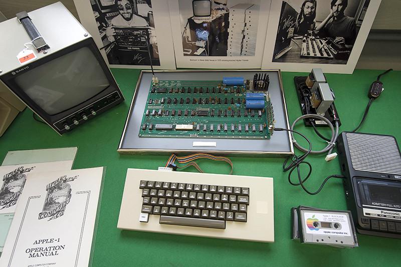 Первый компьютер Apple I
