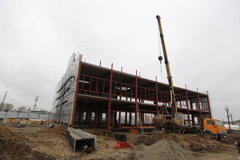Здание нового автовокзала на Гусинобродском шоссепланируется достроить к сентябрю 2018 года, как транспортный узел площадка начнет функционировать в сентябре 2019 года