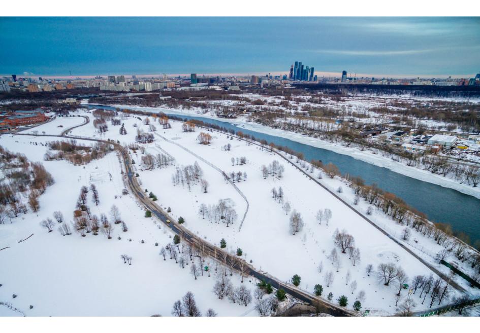 Вид на район Крылатское, Карамышевская (Мневниковская) излучина Москвы-реки
