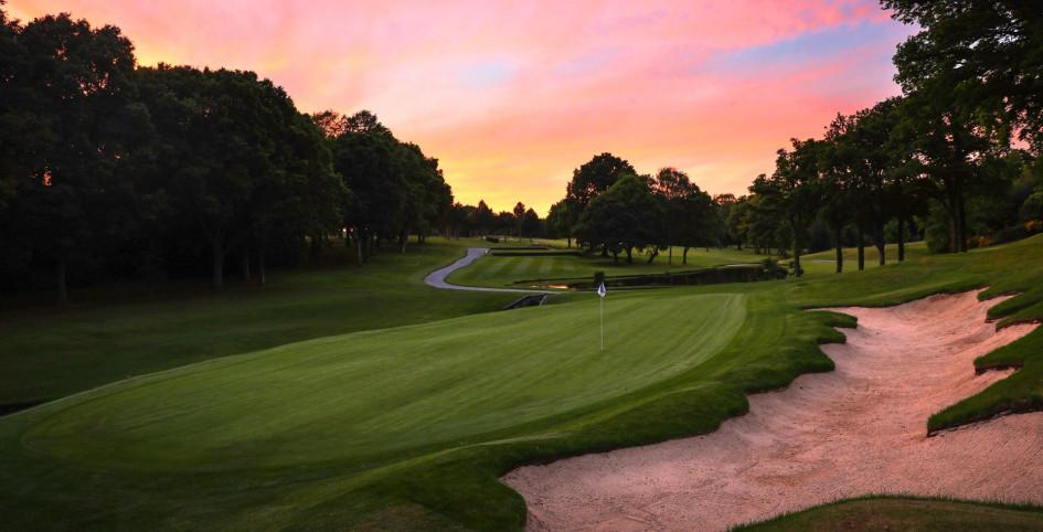 Фото: https://www.stokepark.com/golf/index.html