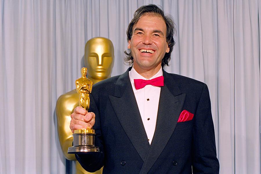 Оливер Стоун нацеремонии вручения премии «Оскар», 1990 год