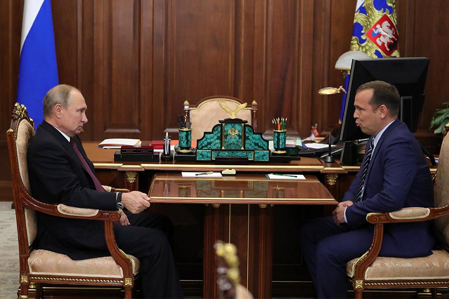Владимир Путин и Вадим Шумков (слева направо)