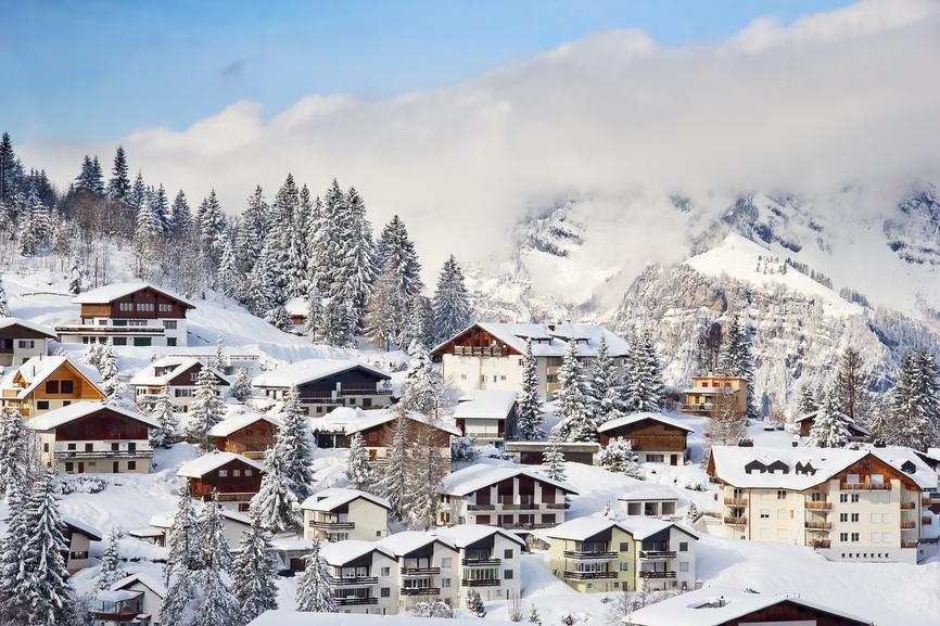 Среди наиболее дорогих альпийских курортов - St. Moritz, Gstaad, Verbier и Zermatt