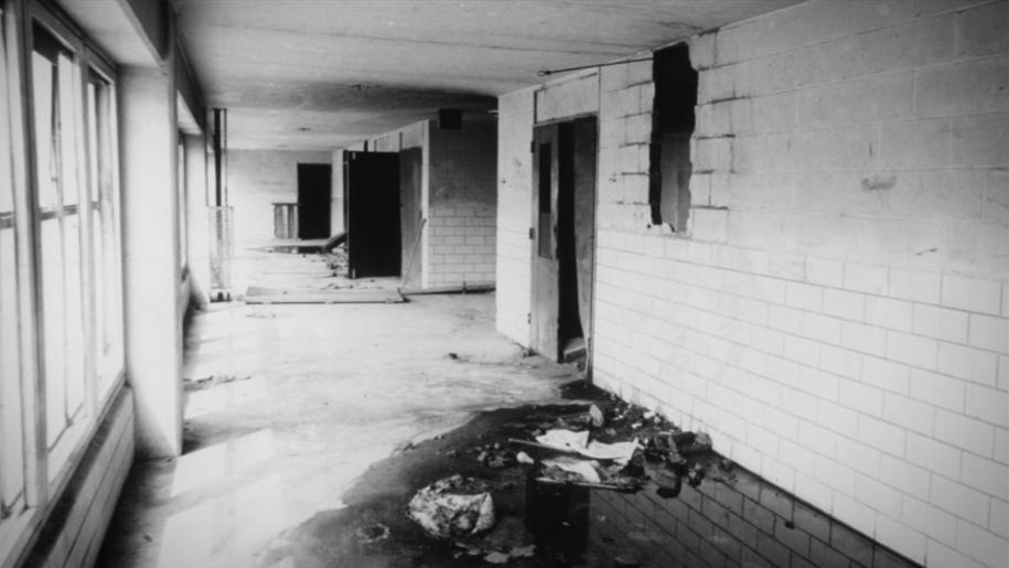 В 1970 году город объявил квартал зоной бедствия иначал отселение жильцов. Власти решили, чтолюдей легче выселить, чемремонтировать инфраструктуру